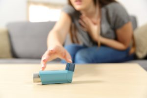 how to treat an asthma attack